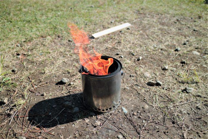 上大島キャンプ場で自作ウッドガスストーブを使う
