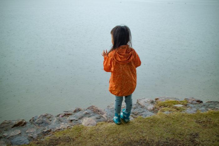 親沢公園キャンプ場で雨が降る