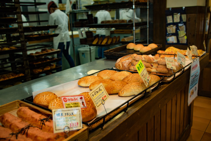 水戸市にある石窯パン工房 カンパーニュの焼き立てパン