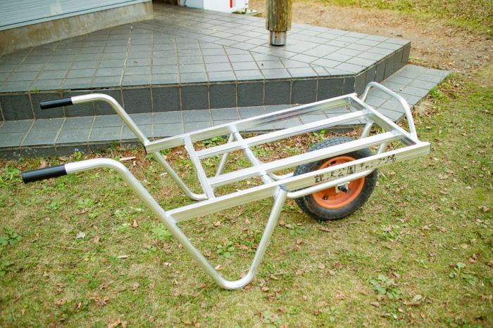 親沢公園キャンプ場の運搬用の1輪車