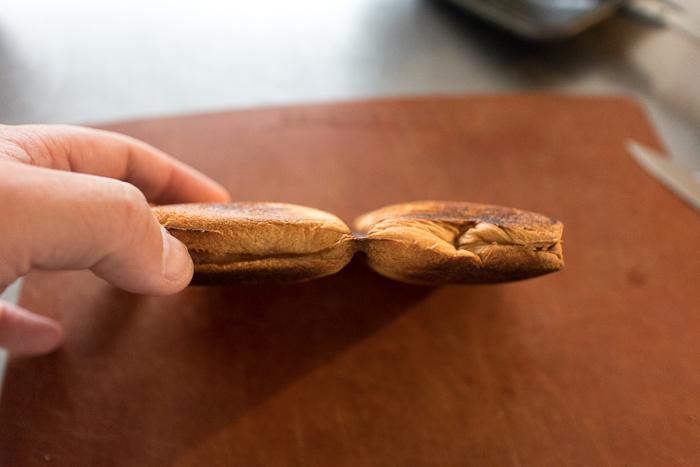 BAWLOOで作ったピーナッツバターのホットサンド