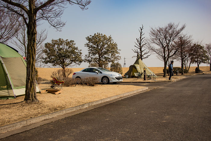 蔓巻公園キャンプ場でキャンプをするプジョーでキャンプのKさん