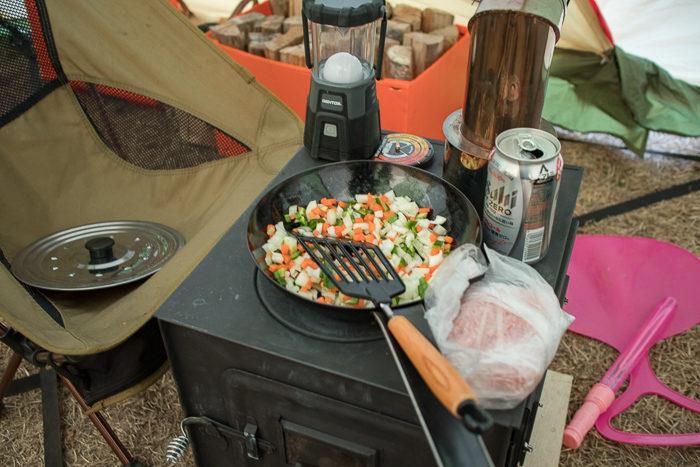 蔓巻公園キャンプ場でブルグルを作る