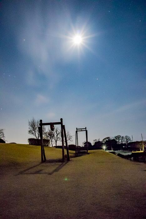 蔓巻公園オートキャンプ場の月夜と公園