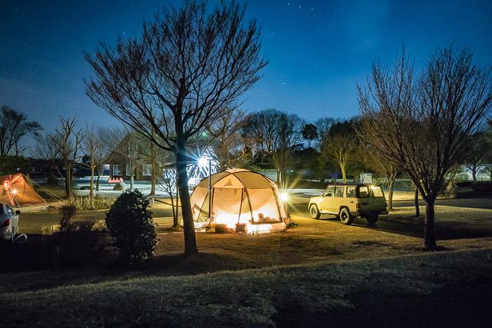 蔓巻公園オートキャンプ場の月夜とサイト