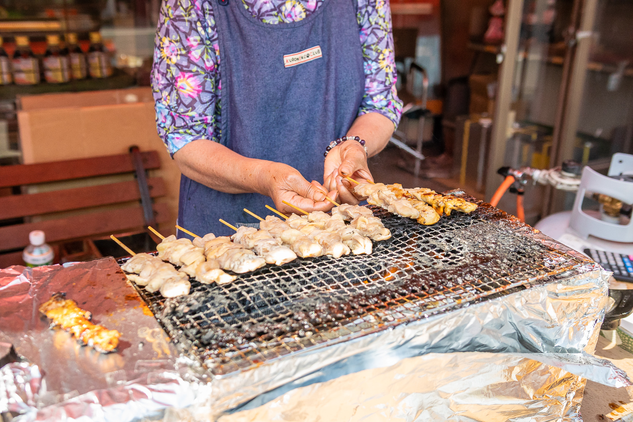 2018年春の益子陶器市で焼き鳥を食べる