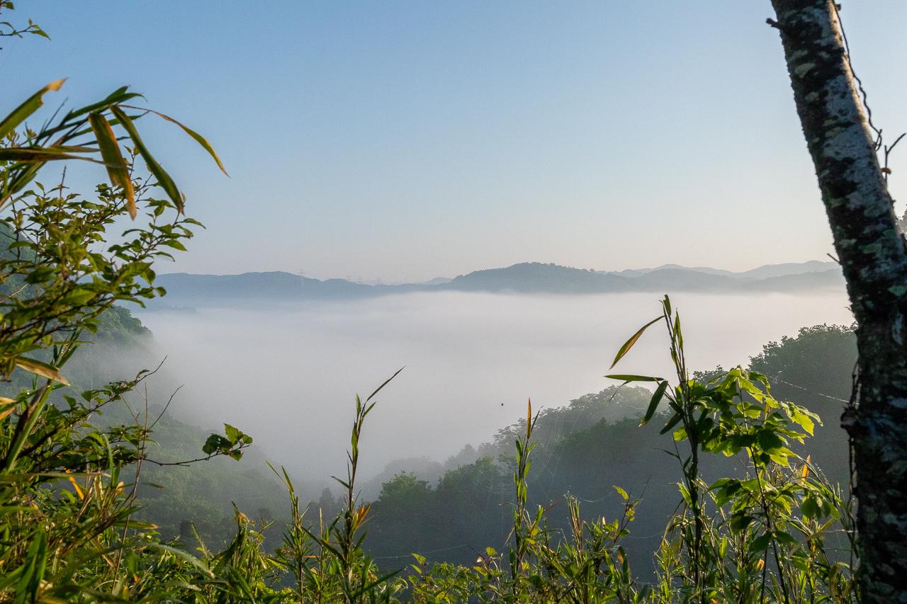 鷲の巣キャンプ場からの雲海の眺め
