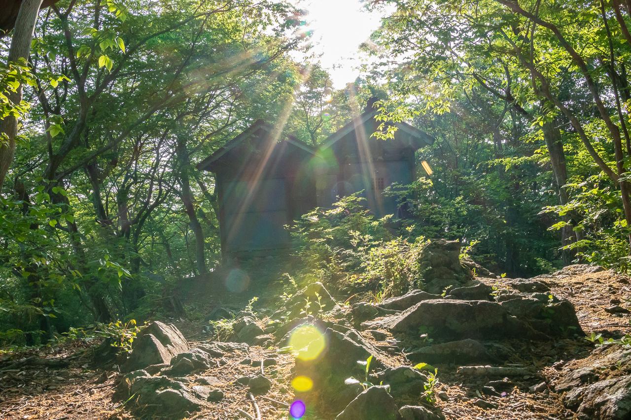 鎌倉山の菅原道真を祭った小さな菅原神社