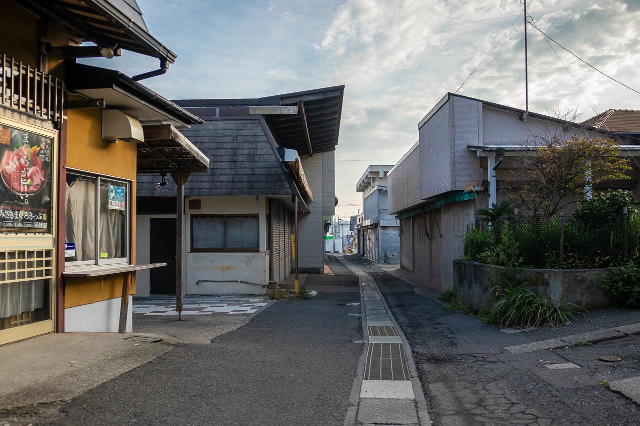 三浦半島の城ヶ島の朝の街並み