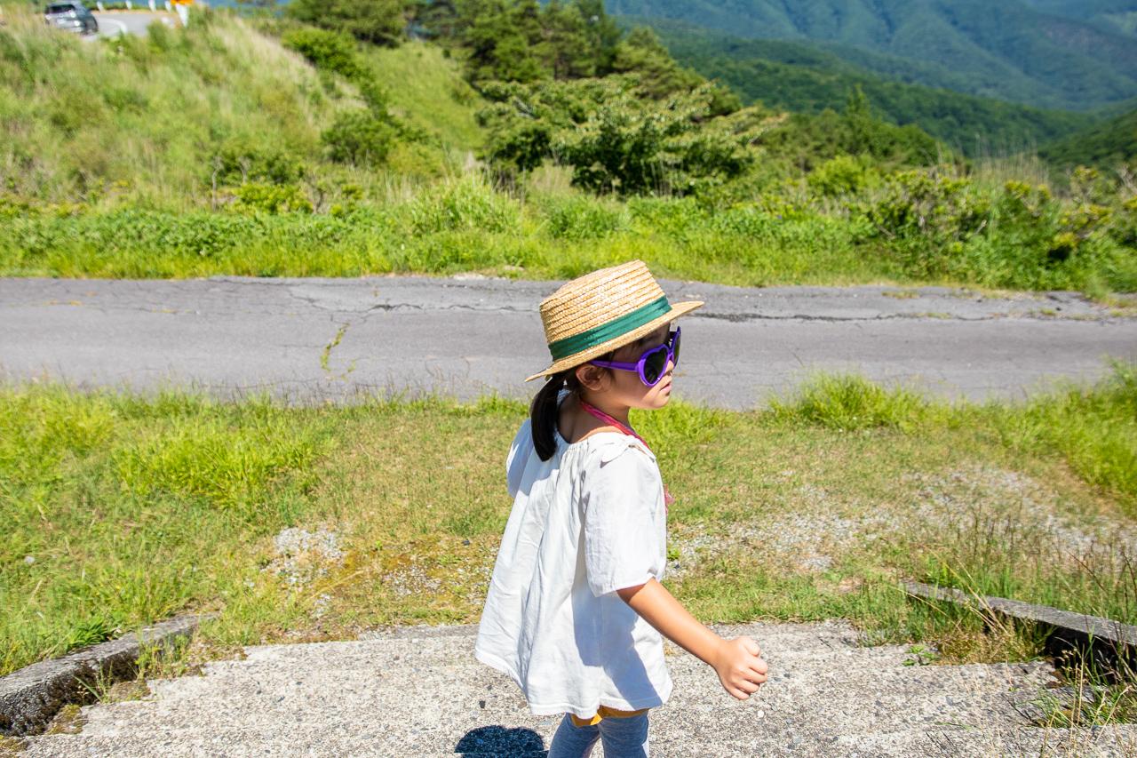 霧ヶ峰キャンプ場へ向かう途中のビーナスラインの途中で記念撮影