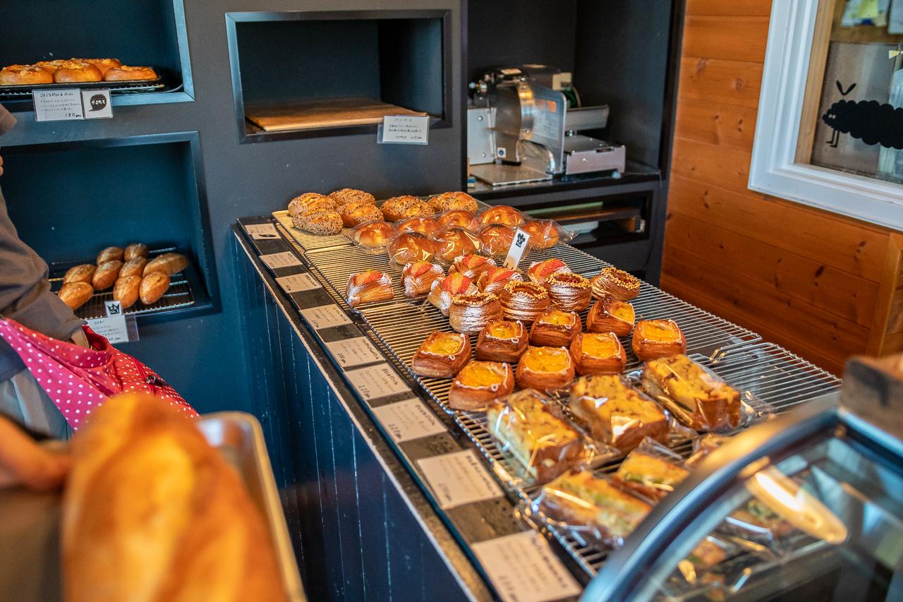 霧ヶ峰キャンプ場に行く途中で寄ったパン屋さんのブーランジェリーけろっく