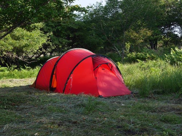 プジョーでキャンプのKさんのヒルバーグ ナロ3GT