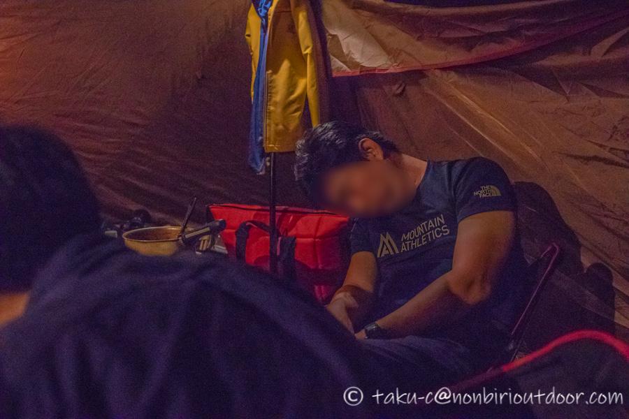 霧ヶ峰キャンプ場の夜はお疲れ。
