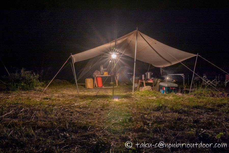 霧ヶ峰キャンプ場の夜の自作タープ
