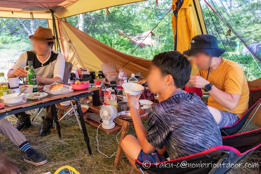 霧ヶ峰キャンプ場でみんなで迎えた朝と朝ごはん