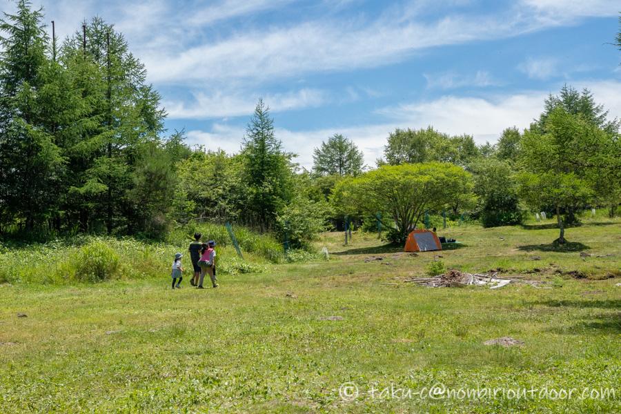 霧ヶ峰キャンプ場で遊ぶ子供たち