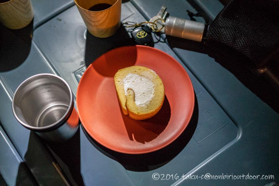 菅沼キャンプ村でスイーツを食べる