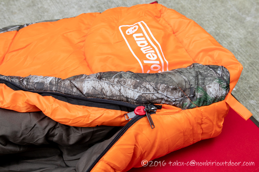 コストコ寝袋のコールマンRealtree Xtra Camo MUMMY SLEEPING BAGのジッパー