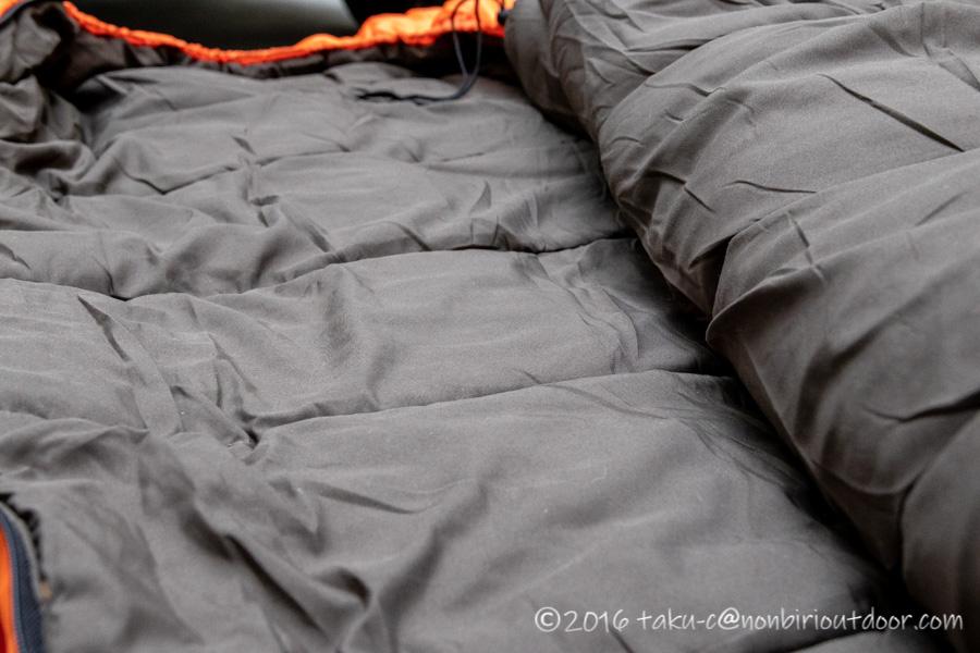 コストコ寝袋のコールマンRealtree Xtra Camo MUMMY SLEEPING BAGの内側
