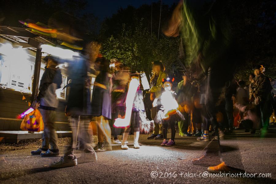 赤城オートキャンプ場でハロウィンパレードでサイトを練り歩く
