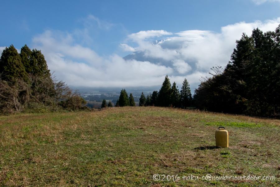 第2回ナチュログ写真部合同合宿の初日の朝は富士山に雲がかかる