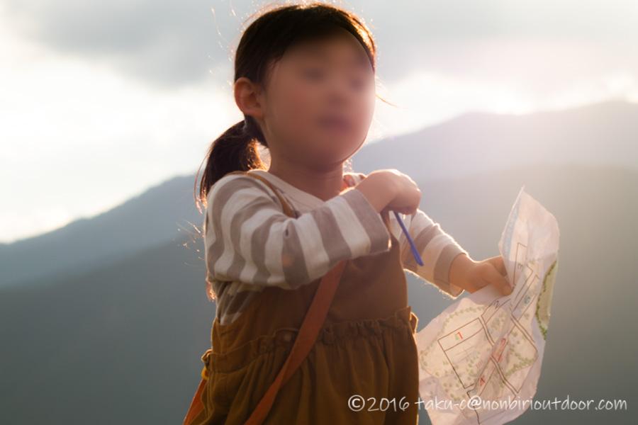 富士山YMCAで行われた子供向けオリエンテーリングの様子