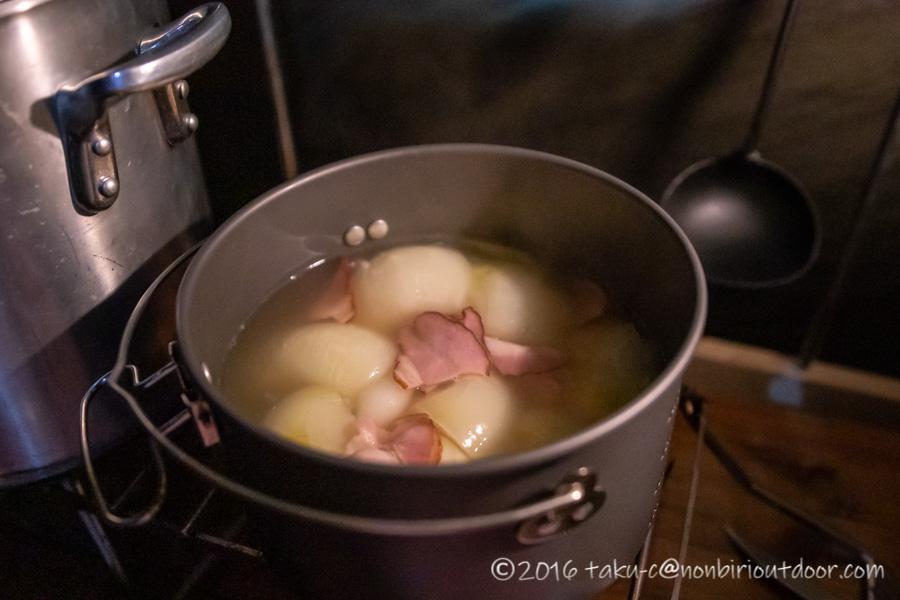 富士山YMCAで行われた第2回ナチュログ写真部合同合宿の宴会料理