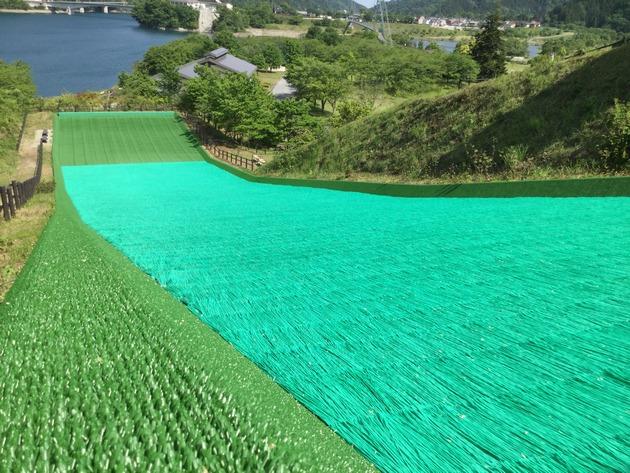 宮ヶ瀬湖のグラススライダー