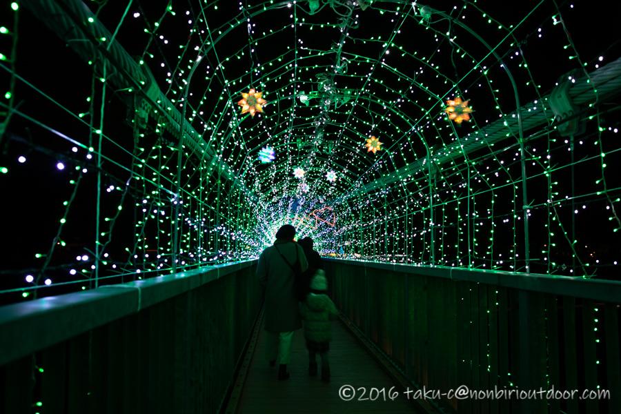 宮ヶ瀬湖イルミネーションのつり橋