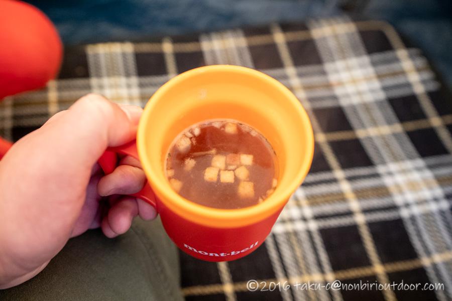 クリスマスキャンプのお昼にコンソメスープ