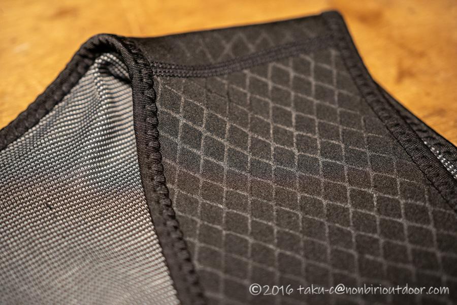 中華製電熱ベストの素材はウェットスーツみたいな素材