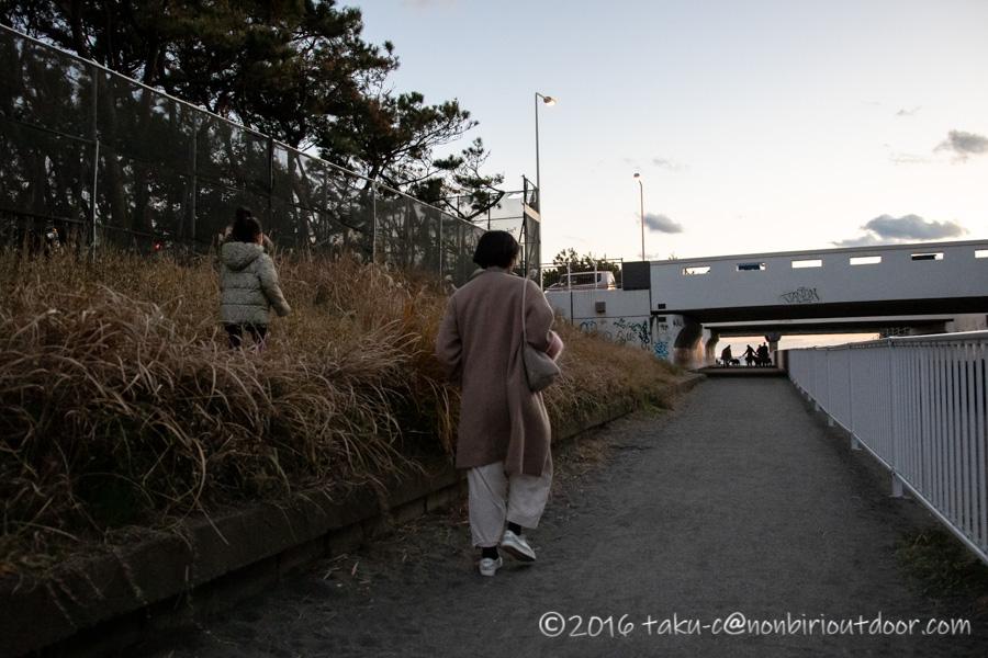 辻堂海水浴場で初日の入り