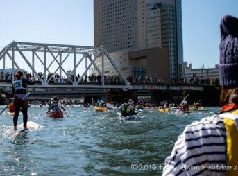 第37回横浜縦断カヌーフェスティバルのBコース競技中