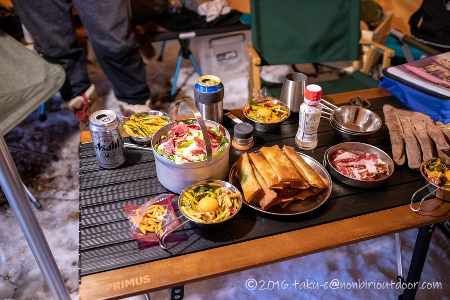 五光牧場オートキャンプ場で雪中キャンプの夕飯