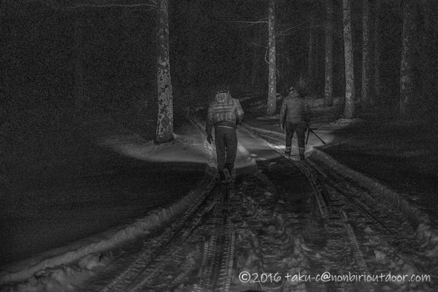 五光牧場オートキャンプ場雪中キャンプで星空を撮りに雪山に向かう