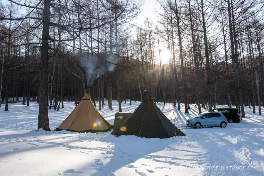 五光牧場オートキャンプ場で雪中キャンプの朝日