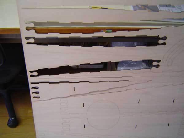 鹿児島のアーキ・テックさんが出しているレーザーパズルカヌー