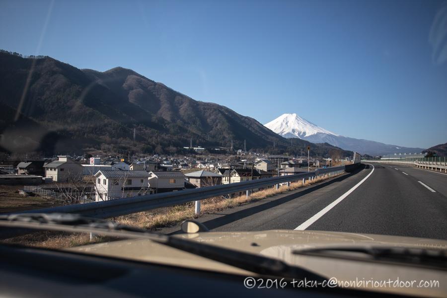 ふもとっぱらへダイヤモンド富士キャンプへ向かう途中