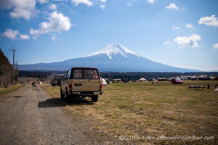 ふもとっぱらでダイヤモンド富士キャンプの設営