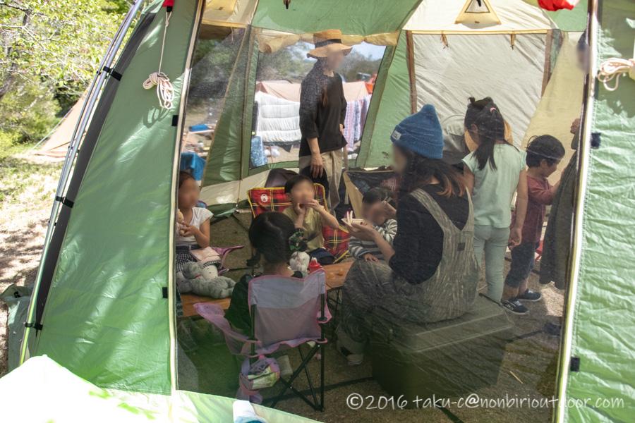 鷲の巣キャンプ場で陶器市キャンプの設営開始