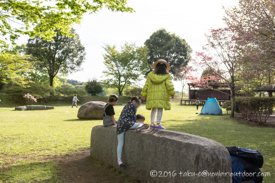 益子陶器市にかまぐれの丘で子どもと遊ぶ