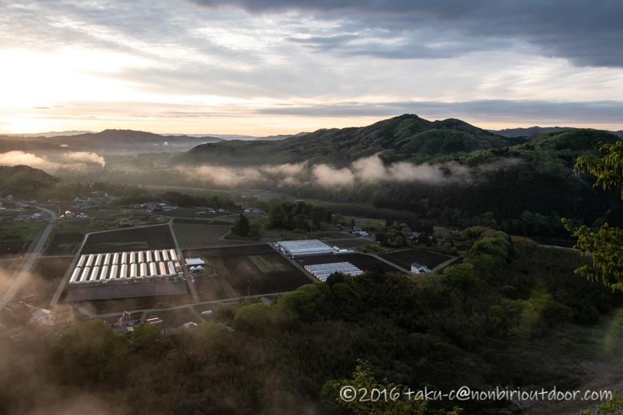 茂木町の鎌倉山展望台からの朝日と雲海