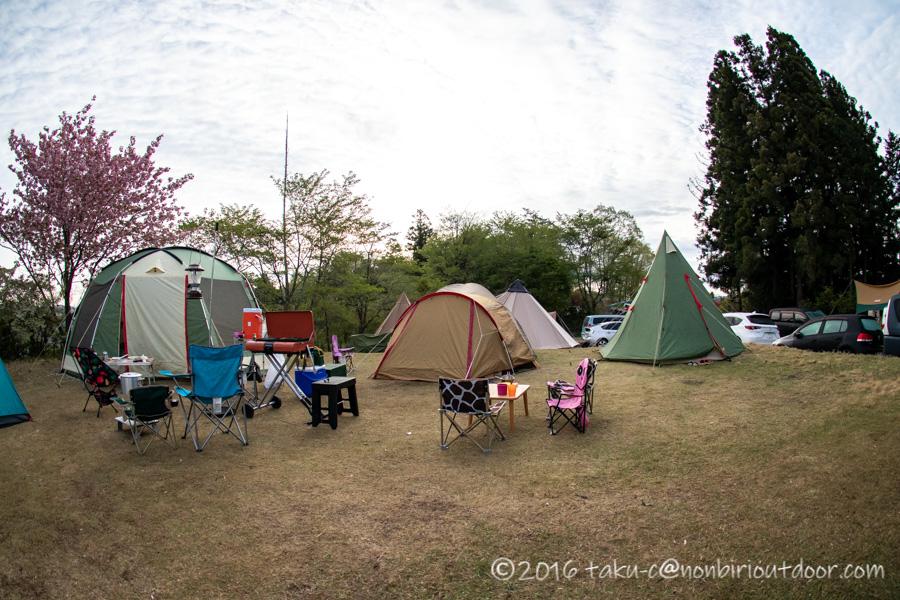 鷲の巣キャンプ場の朝