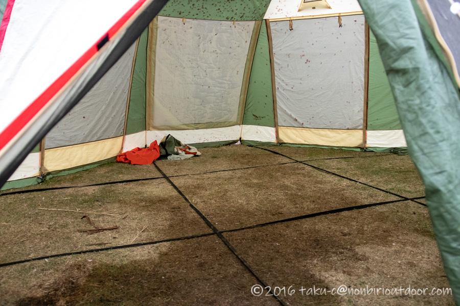 鷲の巣キャンプ場の雨撤収