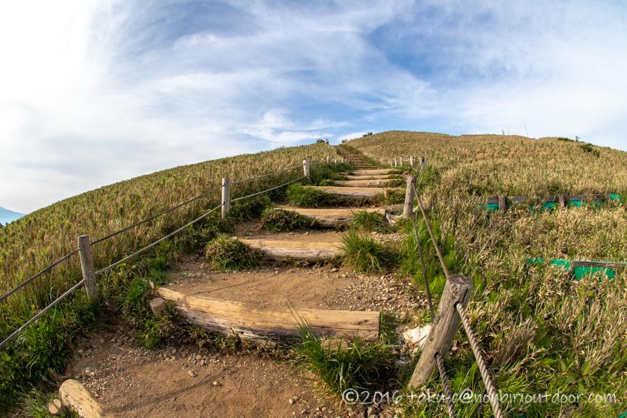 箱根の駒ヶ岳山頂への階段