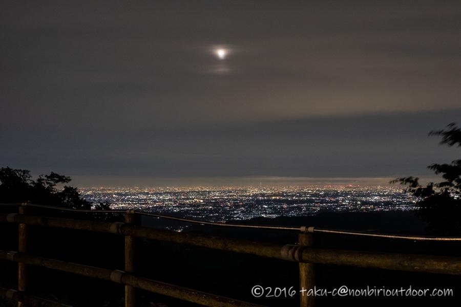 ときがわ町の星と緑の創造センターからの東京の夜景