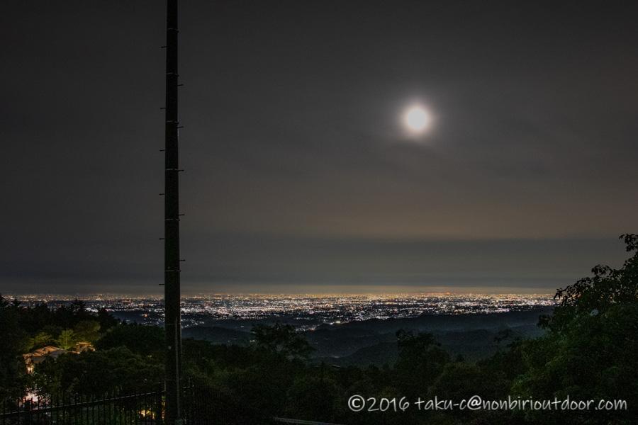 ときがわ町の星と緑の創造センターの堂平山からの東京の夜景