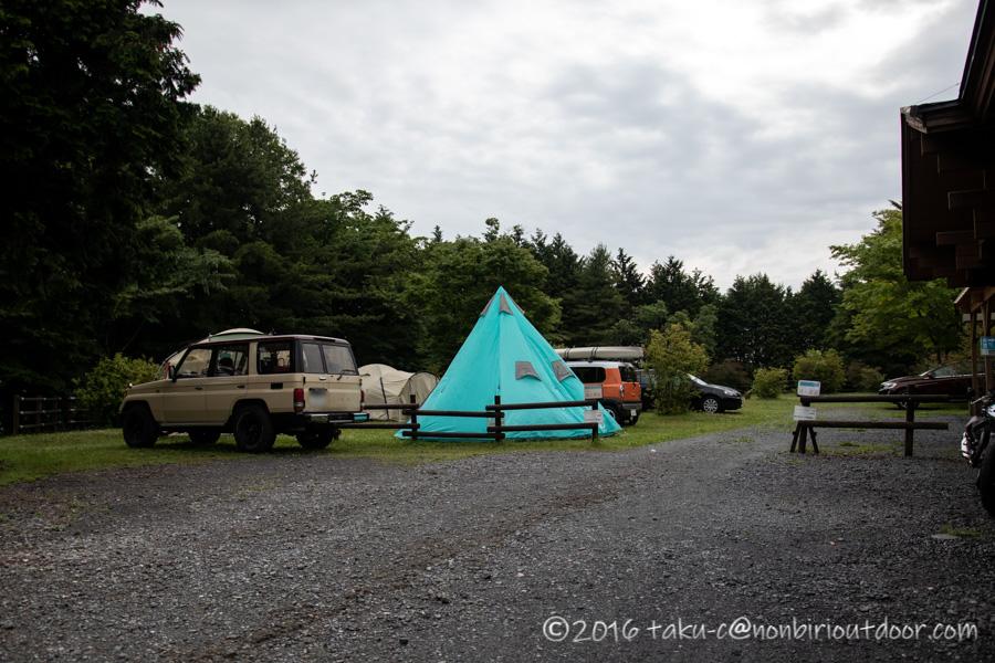 ときがわ町の星と緑の創造センターでの雨キャンプの朝