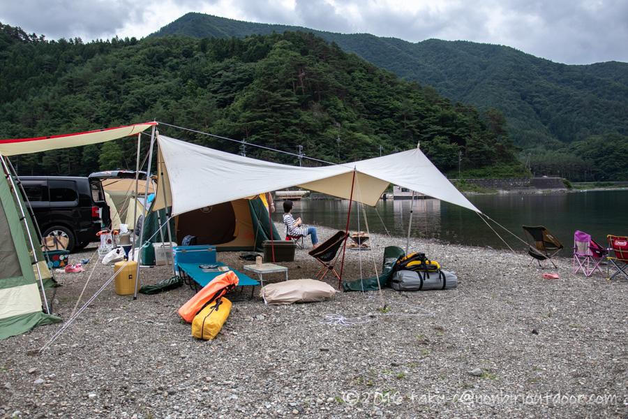 西湖湖畔キャンプ場で自作コットンタープを設営