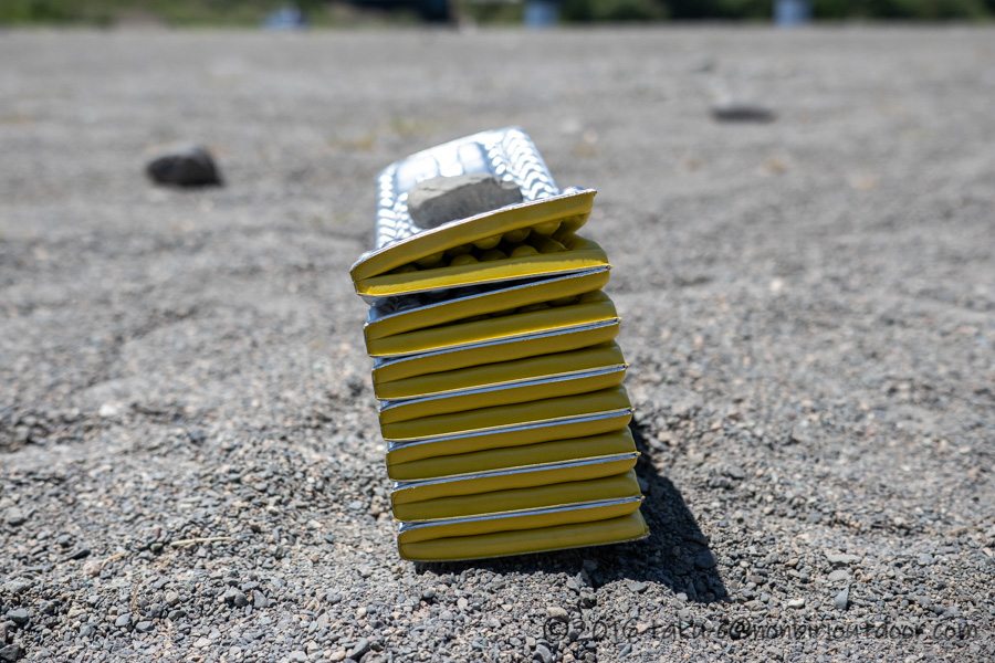 サーマレストのZライトソルのレギュラーの畳んだ状態